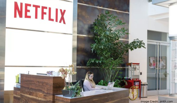 Netflix traveling