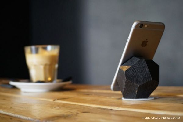 Features Of Wooden Block Charger