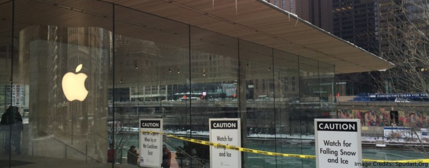 A Major Design Flaw In Chicago Apple Store Is Exposed By Winter's Arctic Blast